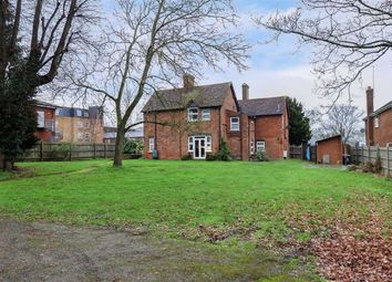 Thumbnail 1 bed flat for sale in Grovebury Road, Leighton Buzzard