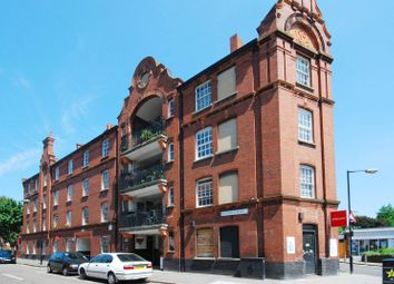 Cressy Houses, Hannibal Road, Stepney, London E1. 1 bed flat for sale