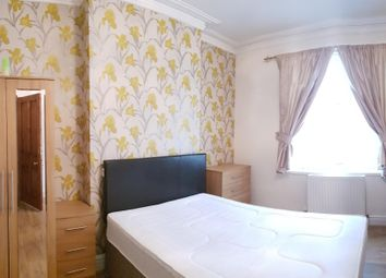 Thumbnail Room to rent in Hallam Street, West Bromwich