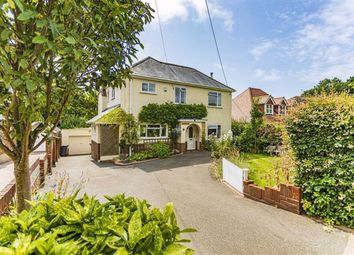 Elphinstone Road, Highcliffe, Christchurch BH23. 3 bed detached house for sale