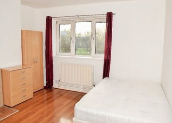 Thumbnail 4 bed flat to rent in Roman Road, Bethnal Green