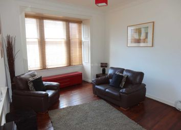 2 bed flat to rent in Castle Street, Paisley PA1