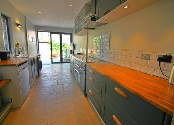 3 bed property for sale in Lymington Avenue, London N22