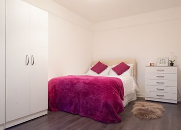 Thumbnail Room to rent in Tavistock Cres, Westbourne Park, Central London