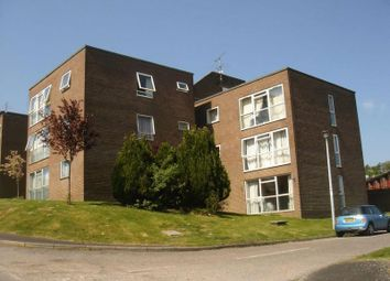 2 bed flat to rent in Falcon Court, Alton GU34
