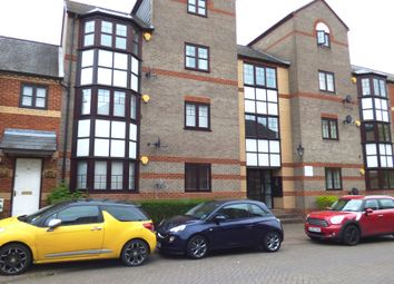 Thumbnail Flat to rent in Swan Place, Reading