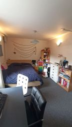 Thumbnail Room to rent in Caledonian Road, King's Cross