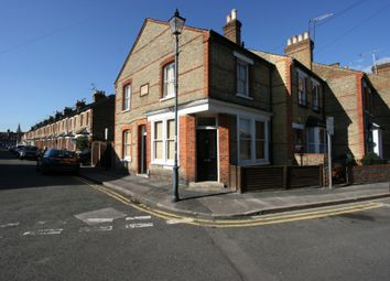 Thumbnail 1 bed flat to rent in Devereux Road, Windsor