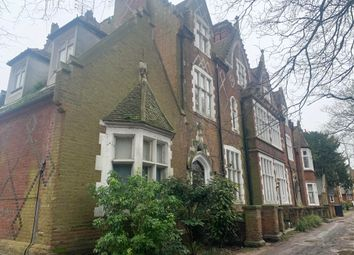 3 bed flat to rent in New Dover Road, Canterbury CT1