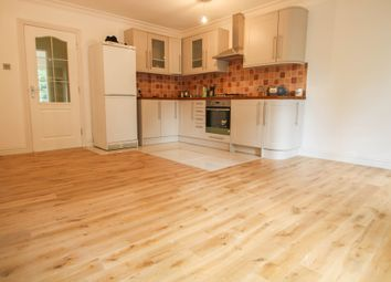 Thumbnail 1 bed flat to rent in Springfield Road, Camberley