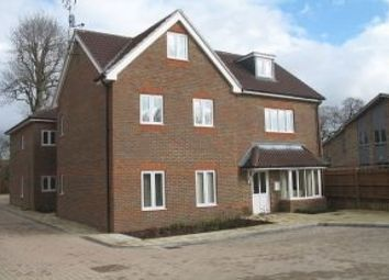 Thumbnail 2 bed flat to rent in Crabtree Court, Crawley