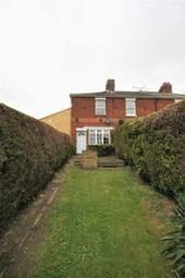 Thumbnail 2 bed property to rent in Folly Lane North, Farnham