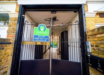 3 bed flat to rent in Oyster Mews, London E7