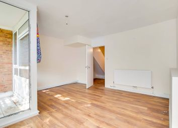 3 bed maisonette to rent in Dalwood Street, Camberwell, London SE5