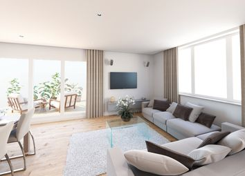 2 bed flat for sale in Heathrow, Hayes, London UB3