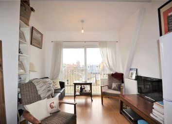 Thumbnail 2 bed flat to rent in Leopold Road, Wimbledon