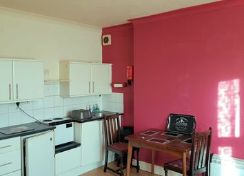 Thumbnail 1 bed flat to rent in Skelmesdale Road, Clacton-On-Sea