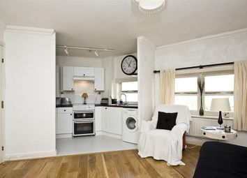 Thumbnail 1 bedroom flat to rent in Salisbury Place, London