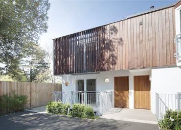 Thumbnail 3 bedroom mews house for sale in Kings Avenue, Clapham, London