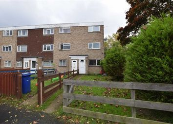 2 bed maisonette to rent in Parry Close, Stanford Le Hope, Essex SS17