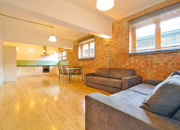 Thumbnail 3 bed flat to rent in Kingslnad Road, Shoreditch
