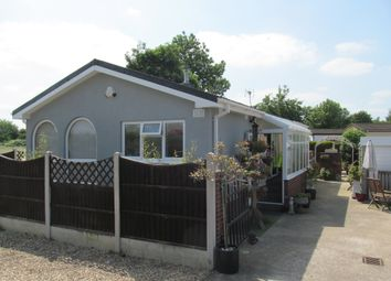 Thumbnail 2 bed mobile/park home for sale in The Hawthornes (Ref 5924), Dunham On Trent, Newark, Nottinghamshire
