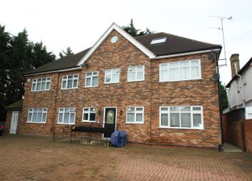 Thumbnail 2 bed flat to rent in Edgwarebury Lane, Edgware