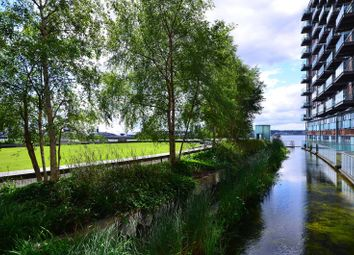 Thumbnail 1 bed flat for sale in Fairmont Avenue, Canary Wharf