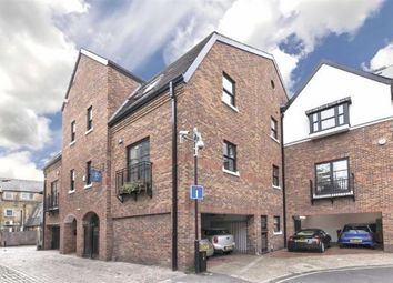 Thumbnail 1 bed flat to rent in Galena Road, London