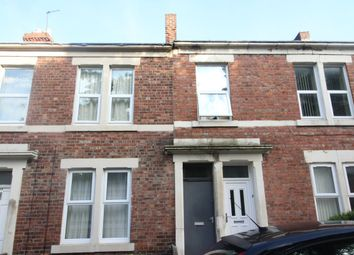 Thumbnail 3 bedroom flat to rent in Gainsborough Grove, Arthurs Hill, Newcastle Upon Tyne