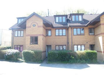 Thumbnail 1 bedroom flat to rent in Holmesdale Road, Reigate