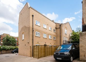Thumbnail 5 bed town house to rent in Caledonian Road, Kings Cross