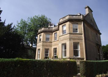 2 bed flat to rent in Weston Park, Bath BA1