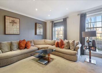 4 bed property to rent in Marston Close, Swiss Cottage, London NW6