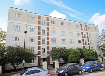 3 bed flat to rent in Rosebank Way, London W3