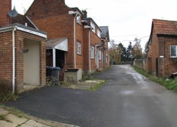 Thumbnail 2 bed bungalow to rent in Cliveden Road, Taplow