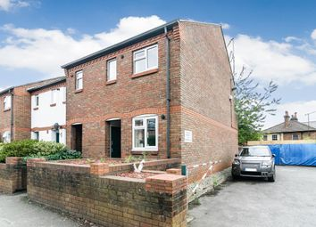 Thumbnail 1 bed maisonette to rent in Stoke Road, Guildford