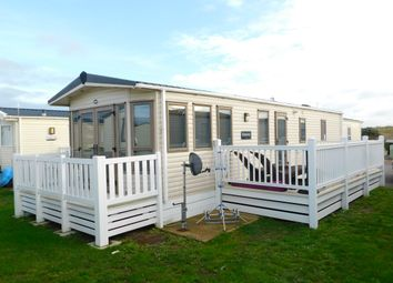2 bed mobile/park home for sale in Eastbourne Road, Pevensey Bay, Pevensey BN24