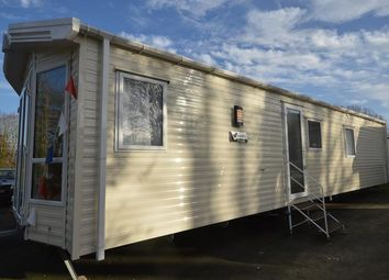 2 bed mobile/park home for sale in Coghurst Hall Holiday Park, Hastings, East Sussex TN35