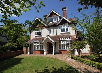 Thumbnail 6 bed property to rent in Coley Avenue, Woking