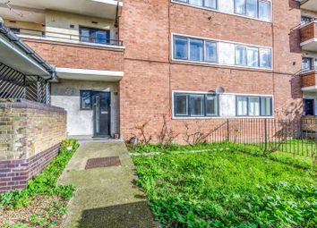 3 bed flat to rent in New North Road, Islington, London N18Su N1
