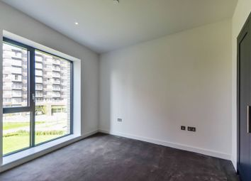 Thumbnail 1 bed flat for sale in Globe House, Canary Wharf, London