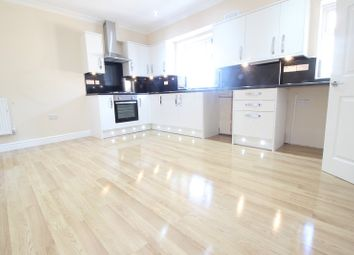 Thumbnail 2 bed flat to rent in Chalvey Road East, Slough