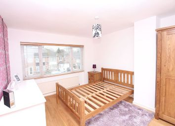 Thumbnail Room to rent in Hillview Crescent, Banbury
