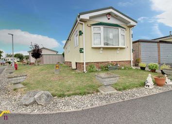 2 bed mobile/park home for sale in Palm Grove Court, Thorne, Doncaster DN8