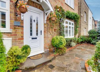 Thumbnail 3 bed detached house for sale in Chase Side Place, Enfield