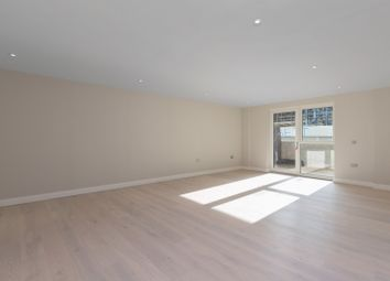 2 bed flat to rent in 44, Battersea SW11