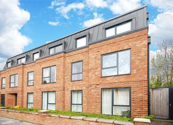 Thumbnail 1 bedroom flat for sale in Oak Grove, London
