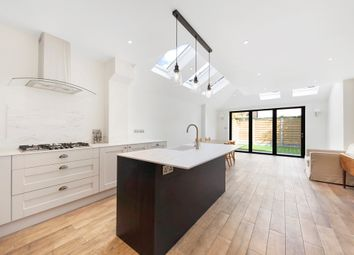 3 bed property to rent in Goodenough Road, London SW19