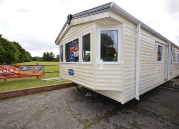 Thumbnail 2 bedroom mobile/park home for sale in Carlton Meres Holiday Park, Carlton, Saxmundham, Suffolk.